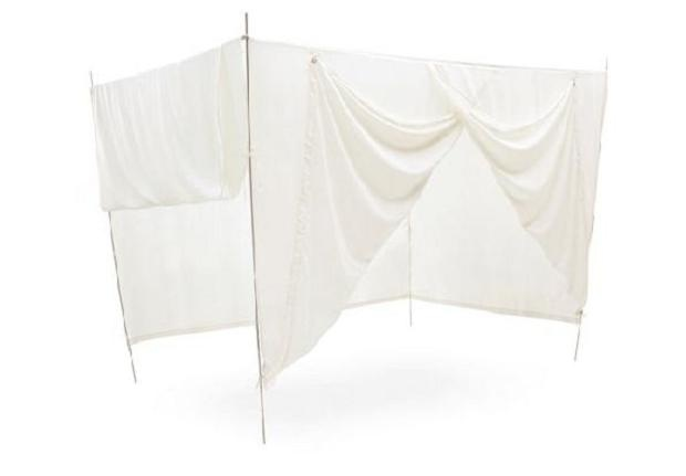 romantic-outdoor-canopy-bed-cover-5.jpg